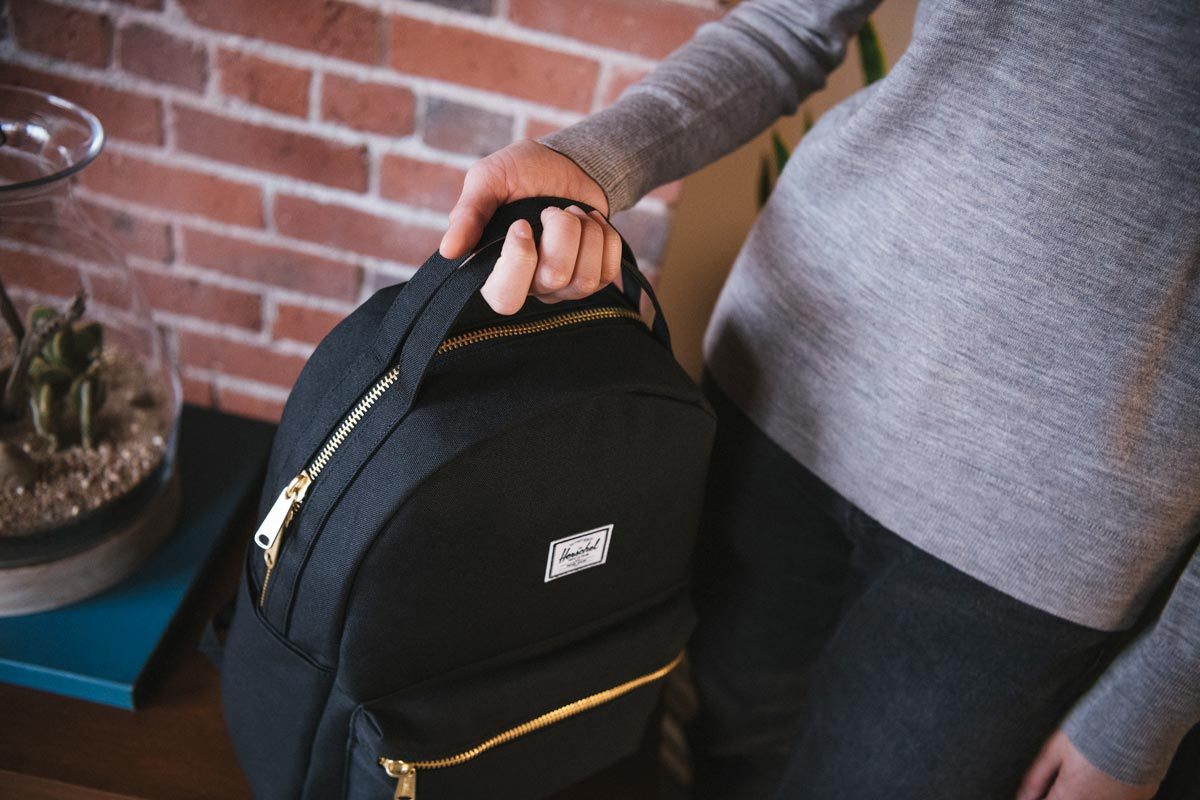 Grab and go. Two top handles make it easy to pick up, open and carry the Nova.