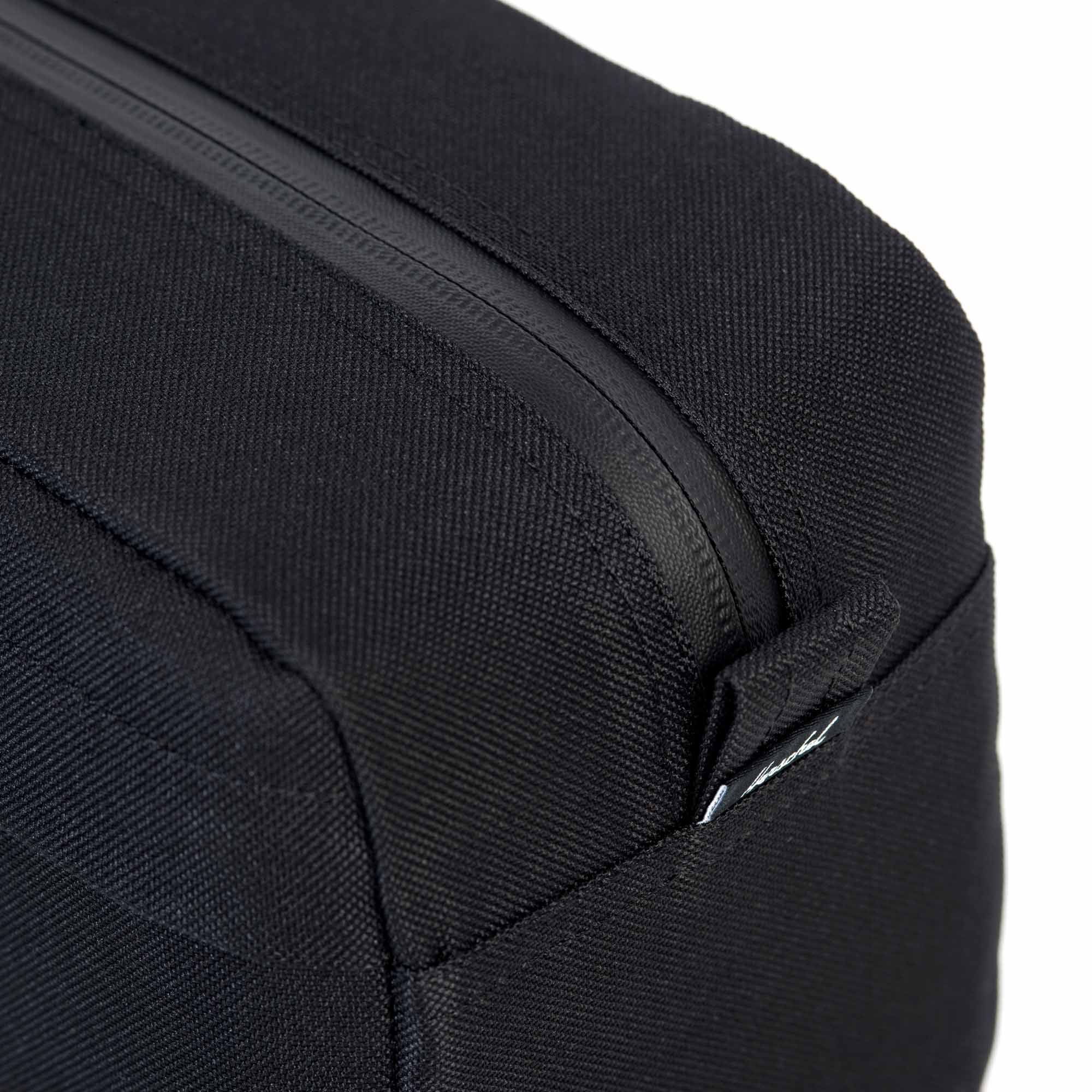 8186717ce19 Perfectly sized for carrying in-flight essentials, the compact Chapter  Carry-On travel kit features a convenient carrying handle and an internal  mesh ...
