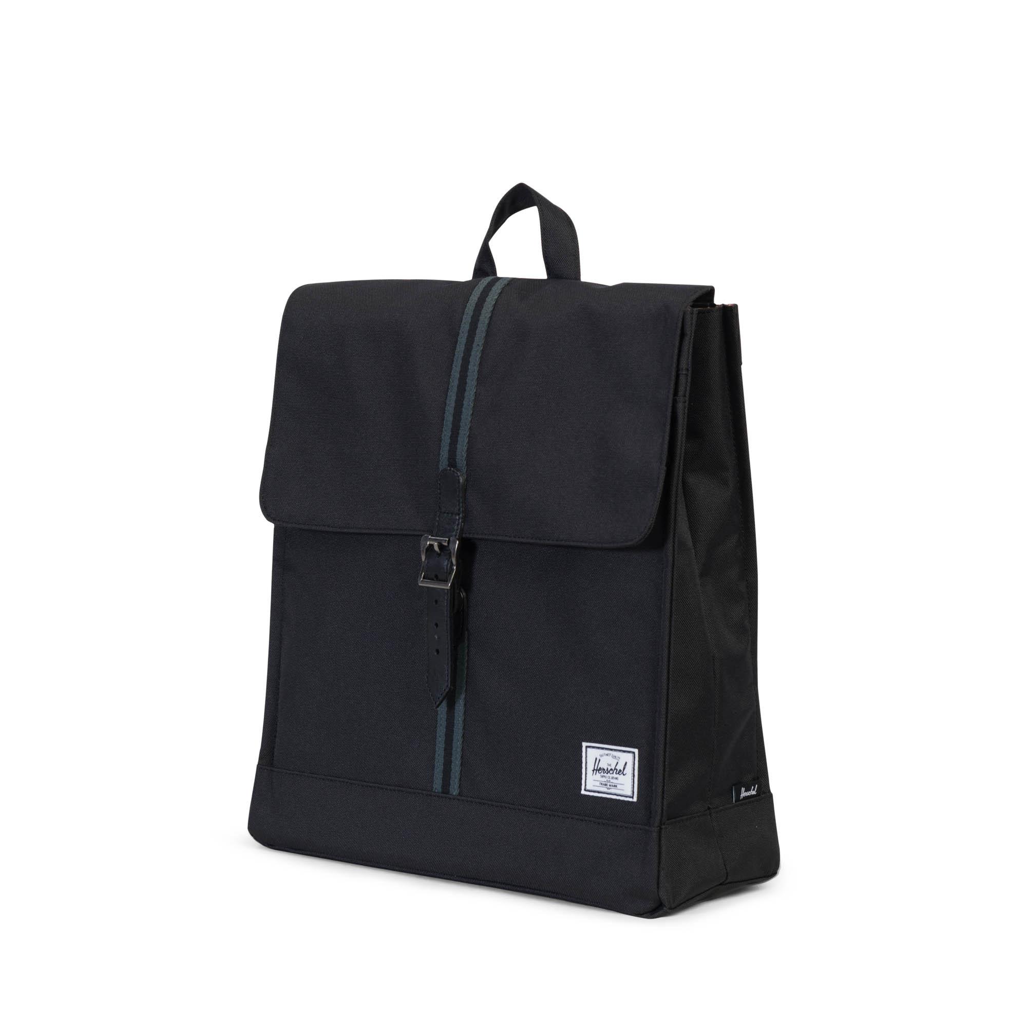 City Backpack in Black - Black Herschel qombSN61ao