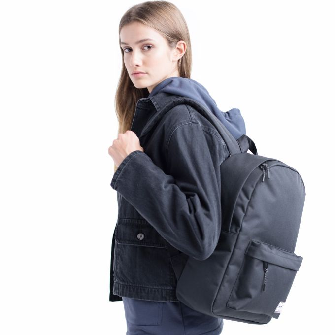 84c476415169 Classic Backpack Mid-Volume